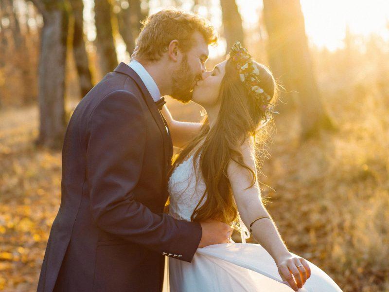 Hochzeitsfoto-Luebeck-Brautpaarshooting-Wald-1